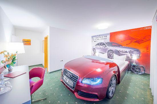 Audi- und Themenzimmer
