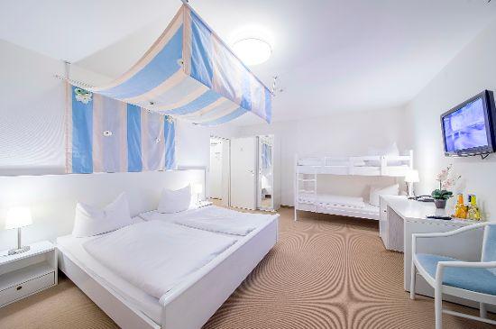 Hochzeitszimmer mit Himmelbett